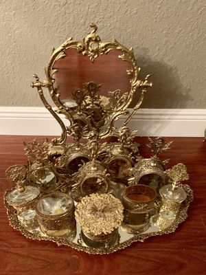 BEAUTIFUL ANTIQUE VANITY SET MIRROR , TRAY , 7 PERFUME BOTTLES , 3. JEWELRY BOXES for Sale in Miami, FL