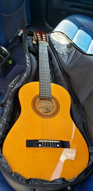 Acoustic guitar, for Sale in Hyattsville, MD
