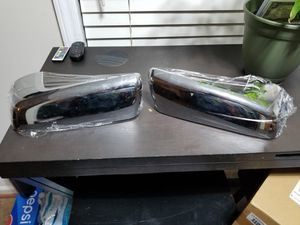 19-20 Silverado 1500 side mirrors replacement covers for Sale in Raleigh, NC