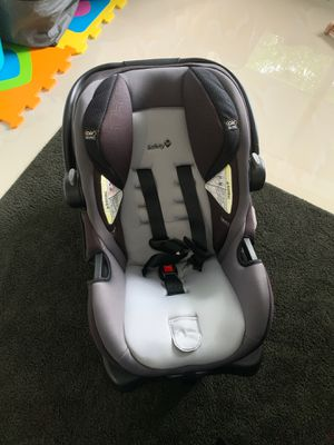 clean clean clean safety first baby car seat 0-12 m for Sale in Miami, FL