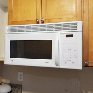 Over the stove microwave for Sale in Jacksonville, FL