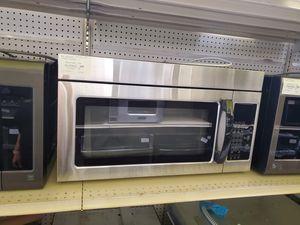 Whirlpool OTR Microwave for Sale in Norwalk, CA