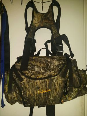 Cabelas fishing/hunting pack for Sale in Tolleson, AZ