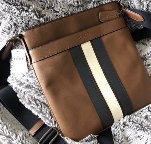 Coach messenger/crossbody/shoulder bag for Sale in Woodland, CA
