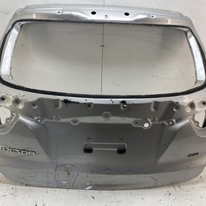 For 2010-2015 Hyundai Tucson Rear Tailgate Liftgate Trunk Lid Shell for Sale in Pomona, CA