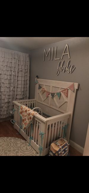 Custom crib & changing table for Sale in Clovis, CA