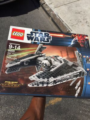 LEGO Star Wars : Sith Fury-class for Sale in Brooklyn, NY