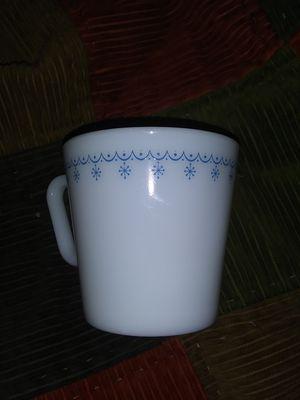 D-handle Snowflake Pyrex 1410 Mug for Sale in Duncannon, PA