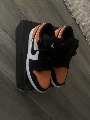 Jordan low 1 size 10 for Sale in Chicago, IL