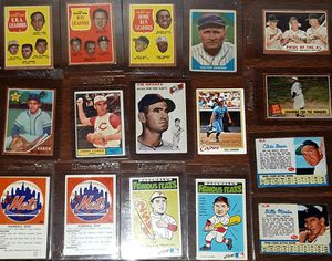MIXED VINTAGE BASEBALL CARD LOT for Sale in Turlock, CA