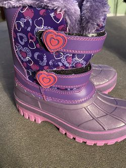 Snow Boots - Kids Size 11 for Sale in Salinas,  CA