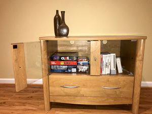 Wooden TV Stand for Sale in Ashburn, VA