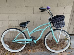 """26"""" beach cruiser bike with basket $120 firm for Sale in Lakewood, CA"""