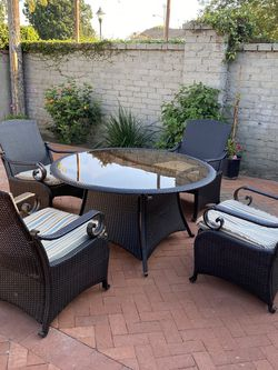 Wrought Iron table and Chairs for Sale in Inglewood,  CA