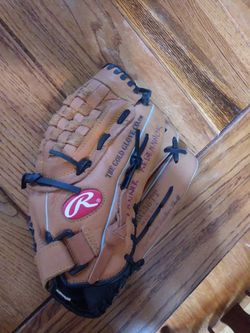 Rawlings Size 13.5 Baseball Glove for Sale in Indianapolis,  IN