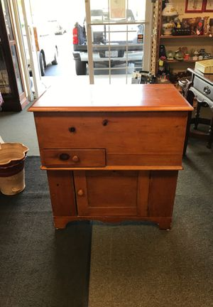 Antique hat box cabinet for Sale in Snellville, GA