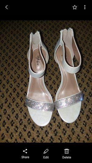 Bridal kitten heels size 8 OBO for Sale in Reynoldsburg, OH