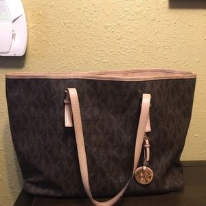 Michael Kors Purse for Sale in Downey, CA