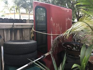 Camper / topper for a OBS side step Sierra / Silverado for Sale in Miami, FL