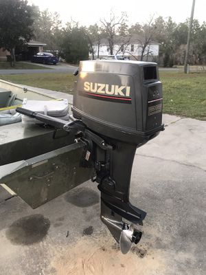 Suzuki 25hp tiller outboard for Sale in Hernando, FL
