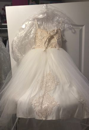 Flower girl dress size 6 for Sale in Sterling Heights, MI
