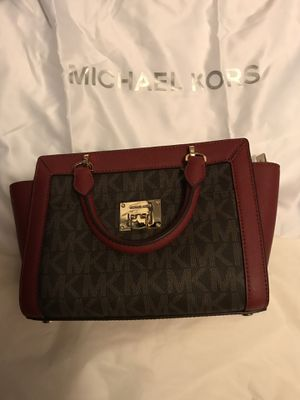 Michael Kors Tina Small TZ messenger bag NWT and crossbody strap for Sale in Lynn, MA