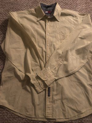 Tommy Hilfiger shirt for Sale in North Miami Beach, FL