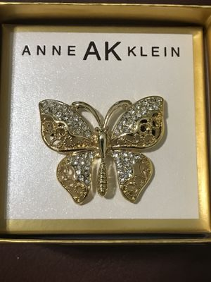"Butterfly Brooch/Pin By Anne AK Klein Rhinestone & gold-tone NIB 1.75""w & 1.5"" Tall for Sale in Murfreesboro, TN"