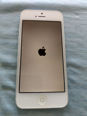 Unlock iPhone 5 excellent condition 16GB White for Sale in North Miami Beach, FL