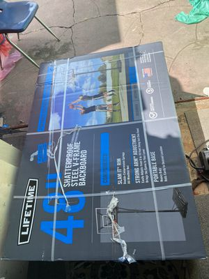 """Lifetime 48""""Basketball Hoop Adjustable Portable for Sale in Newman, CA"""