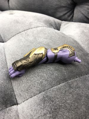 Marvel Legends Armor Thanos Right Arm With No blade for Sale in Fresno, CA