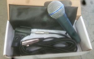 Dynamic microphone with cord, holder and case for Sale in Bell, CA