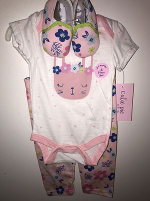 Cute Girls 0-3 month outfit for Sale in Fraser, MI