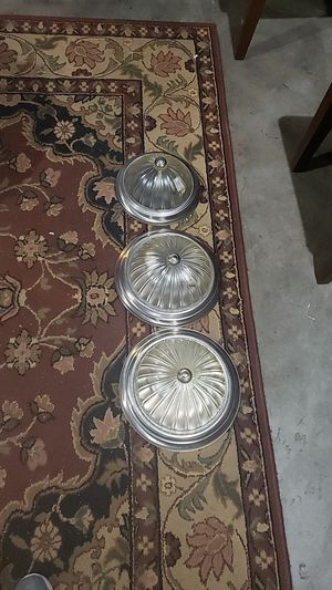 Light fixtures and some cans..bottles for free for Sale in Vancouver, WA