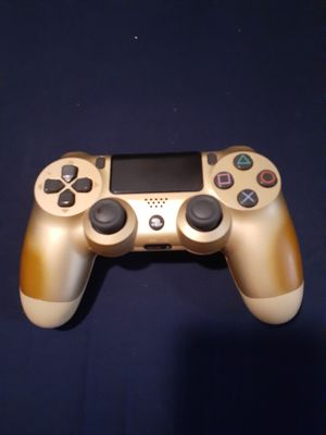 Gold PS4 CONTROLLER $30 PICK UP IN HENDERSON for Sale in Henderson, NV