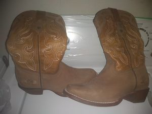 Women boots size 71/2 for Sale in Fort Worth, TX