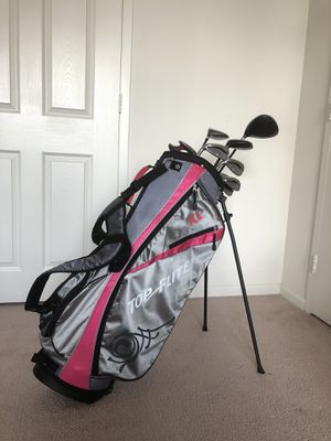 Top Flite woman's golf clubs (left handed) for Sale in Jersey City, NJ