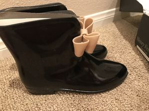 Henry Ferrera Rain boots black with beige bow size 7 for Sale in San Diego, CA