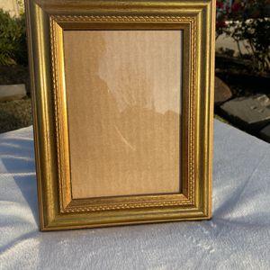 9x5 gold picture frame table top Vintage ornate home decor accent READ DESCRIPTION for Sale in League City, TX