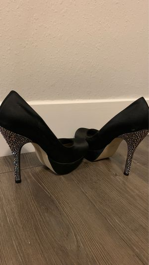 "Steve Madden 6"" bling Heels size 8.5 for Sale in St. Louis, MO"
