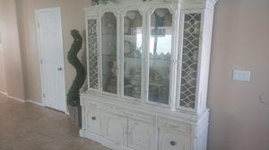 Vintage china cabinet for Sale in Glendale, AZ