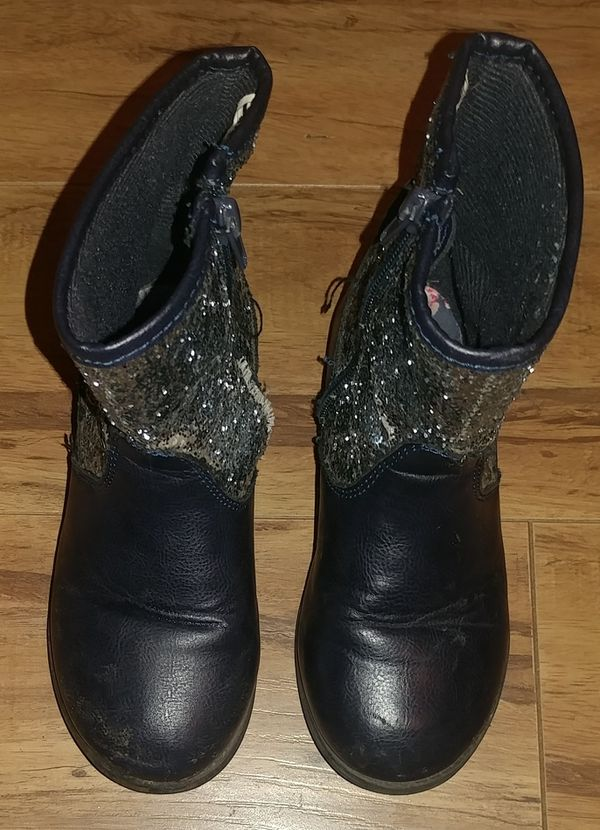FREE GIRLS SHOES SIZE 11(YES,FREE)