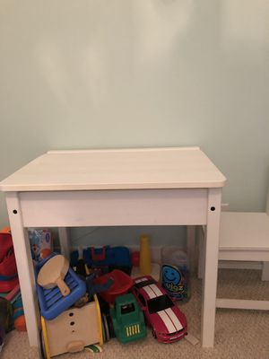 Kids wooden desk and chair white finish for Sale in Chicago, IL