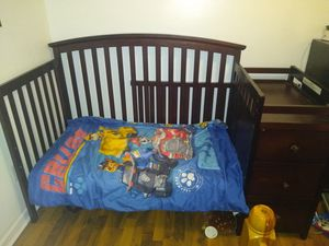 Dream on me 5 in 1 crib for Sale in Obetz, OH