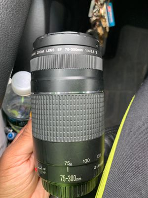 Canon 75-300 lens for Sale in Brooklyn, NY