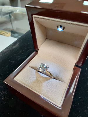 4.0 ct Diamond in Tiffany Ring - Now Deals on the Net for Sale in Utica, MI