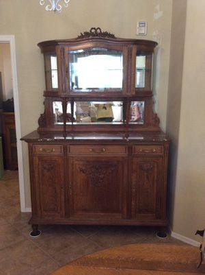 French Victorian China cabinet. Louis 15 for Sale in North Las Vegas, NV