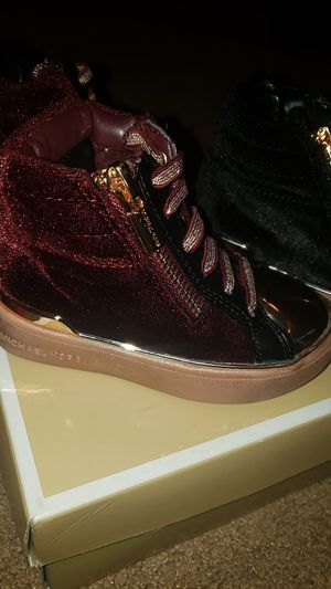 Michael Kors Shoes for Sale in Lithonia, GA