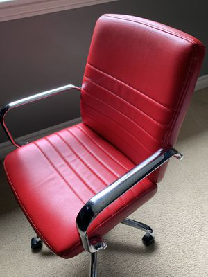 Desk chair for Sale in Sammamish, WA