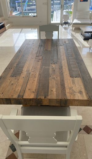 Wooden dinning table from west elm. In just like new condition for Sale in Miami, FL